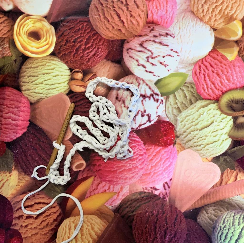 Crochet chain using t-shirt yarn